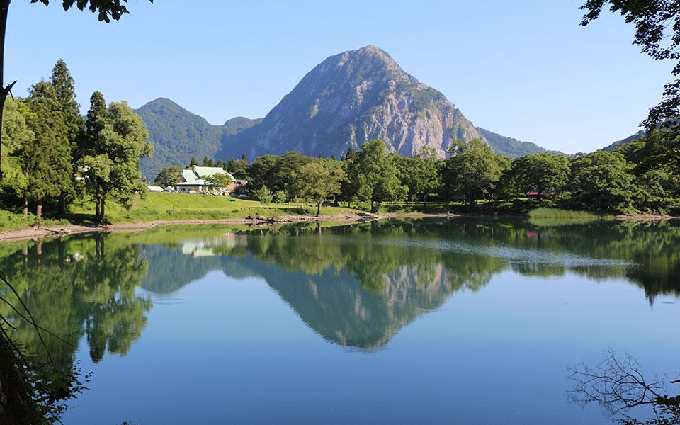 http://www.itoigawa-kanko.net/wp-content/uploads/2015/05/camp_takanaminoike11.jpg