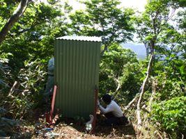 屋外トイレ(白鳥山山頂付近)