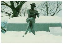 親不知にあるウェストン像