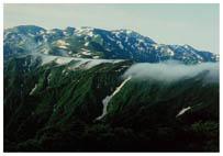 犬ヶ岳から朝日岳への山並み