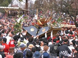 糸魚川けんか祭り けんか神輿